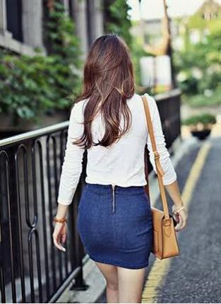 腰のラインがはっきり分かる服着てる女ww