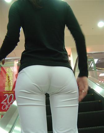 【画像】働く女の尻って最高だよな